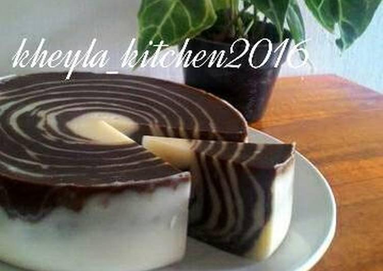 Resep Puding Roti Tawar Zebra tanpa telur + mentega Oleh Kheyla's Kitchen