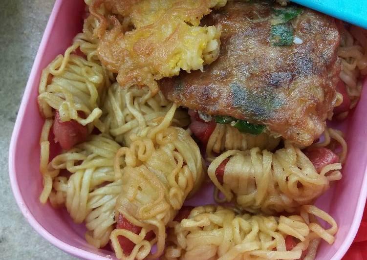 resep makanan Mi gulung sosis (camilan)
