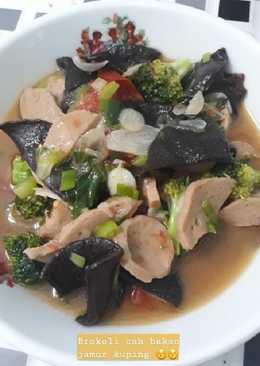 Brokoli Cah Bakso Jamur Kuping