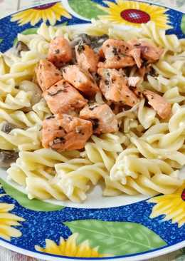 Salmon and mushroom fusili cream cheese
