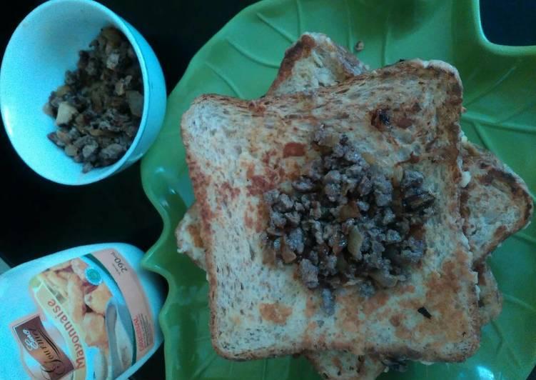 bahan dan cara membuat Roti Panggang Isi Daging