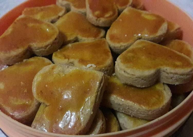 resep kue kering kacang oleh athaolon   cookpad