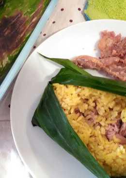 Nasi Kuning Panggang