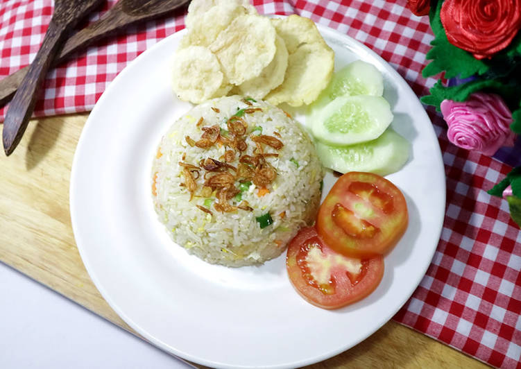 Nasi Goreng Putih Teri Medan