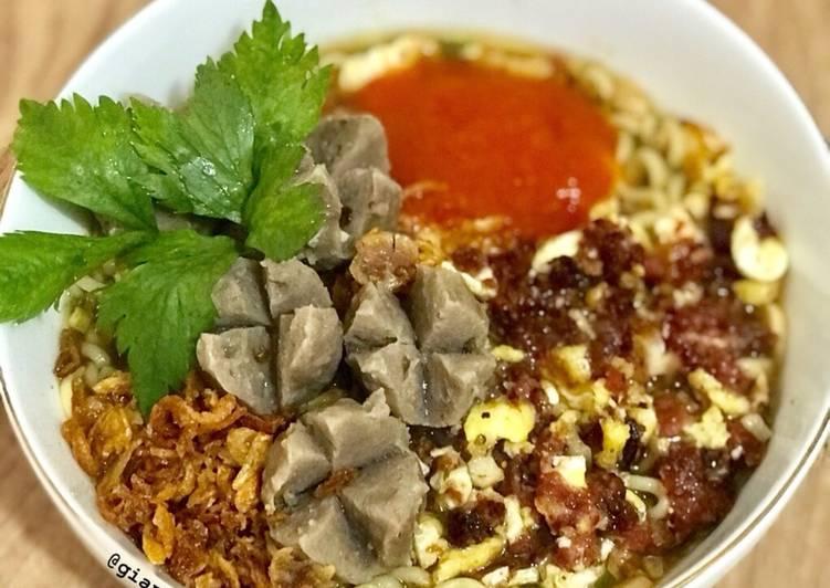 resep Hot Mie Bakso Kuah Orak -Arik Kornet Telur