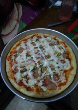 Tuna mayo pizza