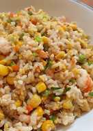 Nasi goreng udang sayuran untuk balita
