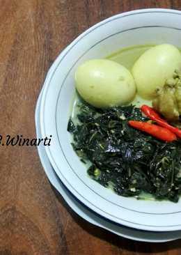 Gulai Daun Singkong Lengkap Dengan Ayam, Telur dan Tempe