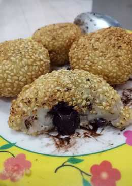 Onde-onde with nutella inside