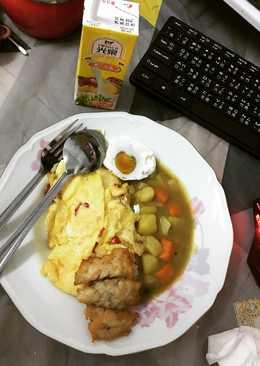 Nasi kari ala saya (咖哩飯=ka li fan)
