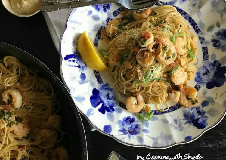 resep makanan Spicy Prawn And Garlic Pasta
