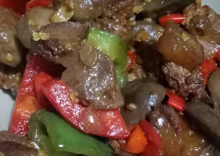 Oseng Paprika dengan Bakso, Daging dan Jamur