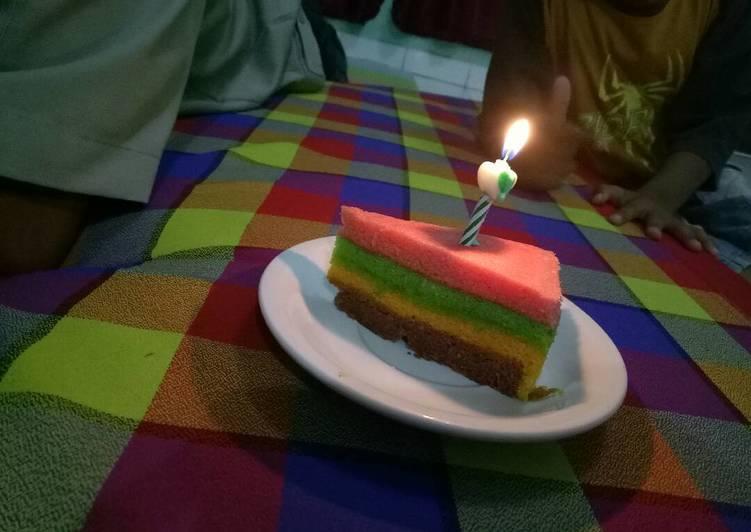 Resep Rainbow Cake Kukus Istimewa: Resep Rainbow Cake Kukus Oleh Amalia Azizah