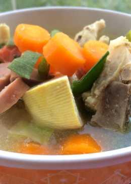 Sup Campur 2 'Ayam, Ceker & Sosis'