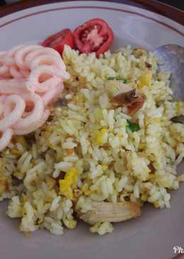 Nasi goreng kuning simple