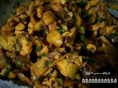 Jamur ayam kecap untuk isian Bolen atau tooping mie ayam