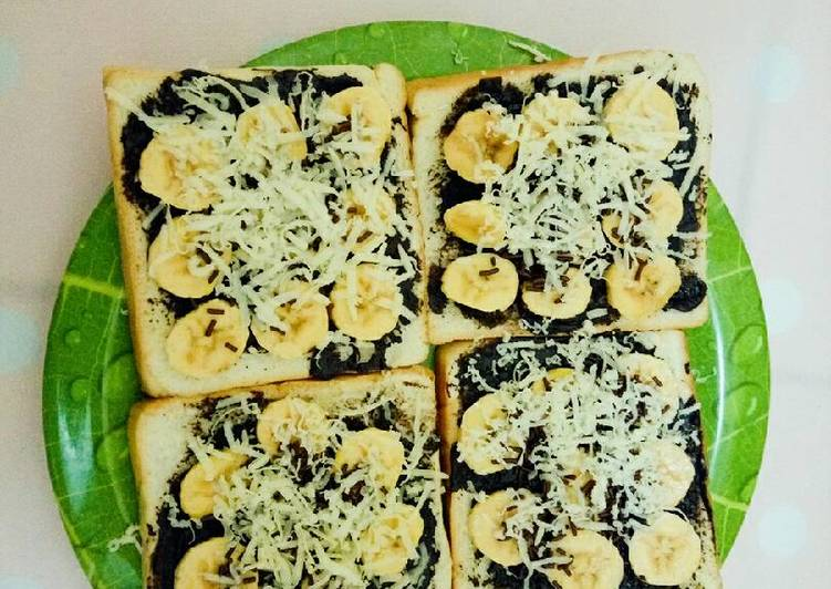 Resep Roti tawar panggang pisang coklat keju Kiriman dari Dian Utami Dewi