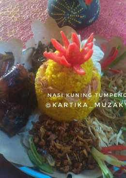 Nasi kuning tumpeng mini