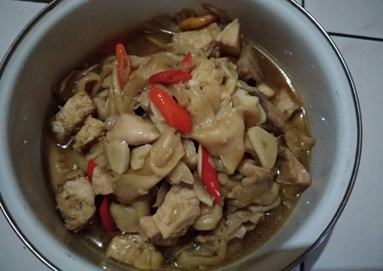 Resep Tumis jamur tiram ayam Karya Evlin Ariningrum | 1001 Resep Masakan