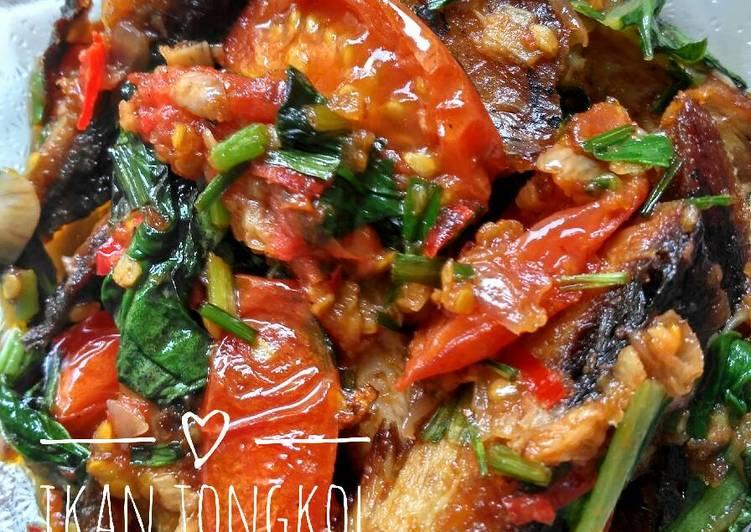 Resep Ikan tongkol bumbu tomat Dari Emilia