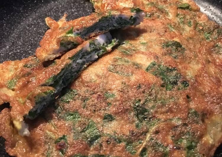 Omelet Bayam / Telur dadar bayam
