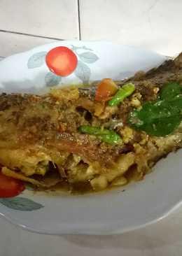 Ikan gurame baracuda kuah kuning