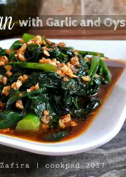 Kailan with Garlic and Oyster Sauce
