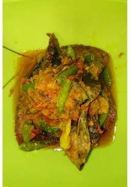 Ikan tongkol bumbu kuning sunda