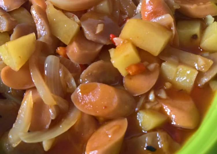 Kentang bakso sosis masak pedas