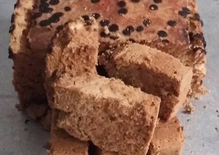 cara membuat Bolu kukus santan rasa mocca dan coklat chip. ala Rumah Ambolay