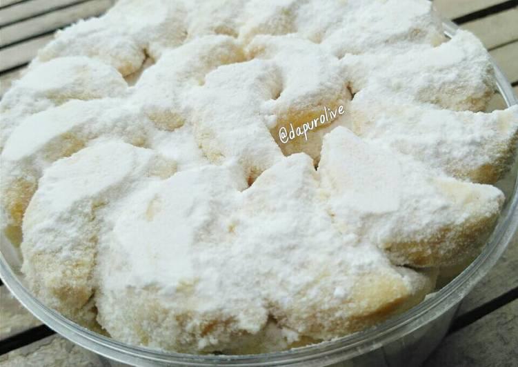 Resep ❄ Kue Putri Salju ❄ Snow White Cookies ❄ oleh