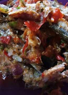 Ikan tamban masak sambel dower