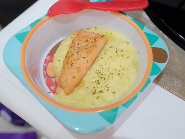 Menu mpasi 12m+ (menu anak) salmon with cheesy mashed potato
