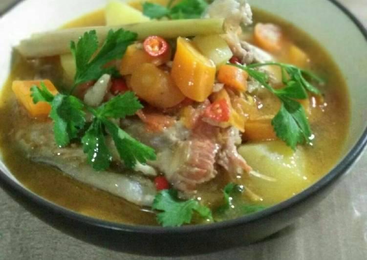 Sup kepala Salmon