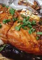 Garlic sriracha salmon
