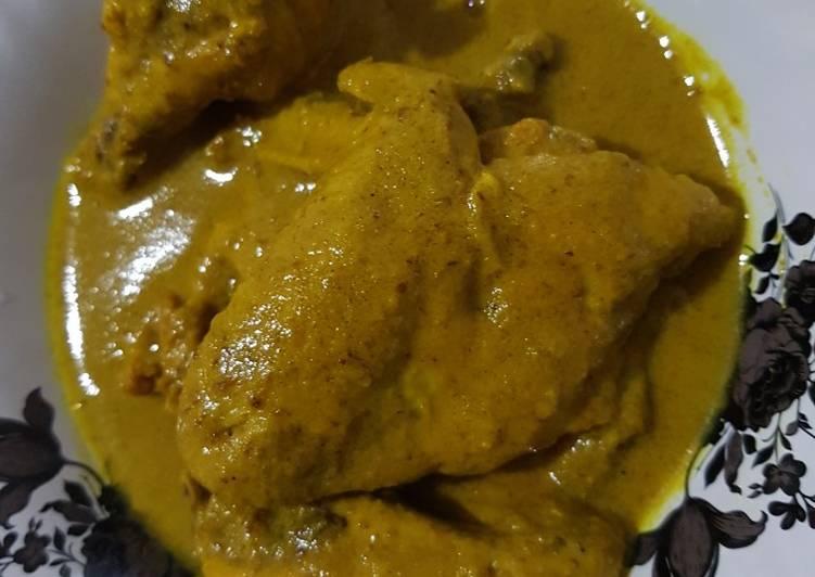 Ayam ungkep bumbu kuning