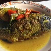 Ikan Mas Bumbu Acar Kuning (Step by Step)