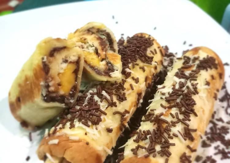 Roti gulung pisang