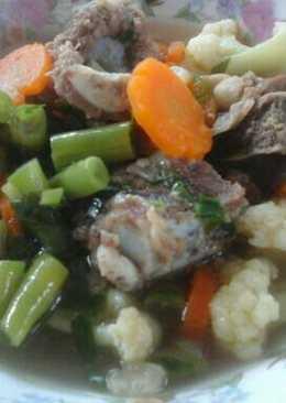 Sup iga sapi sayuran