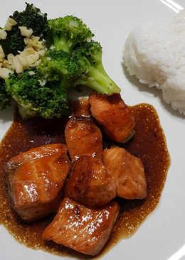 Salmon Teriyaki with Broccoli