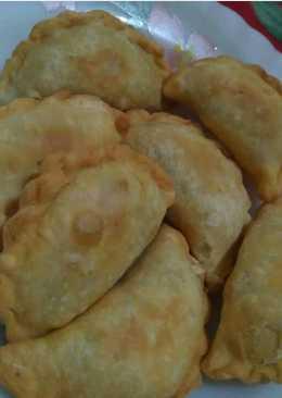 PasteL renyah (isi kentang wortel)