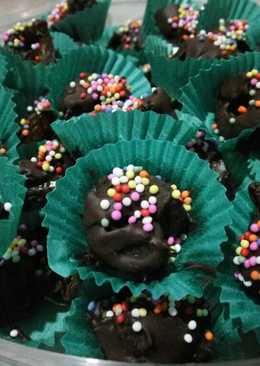 Kurma choco with rainbow sprinkles #BikinRamadanBerkesan