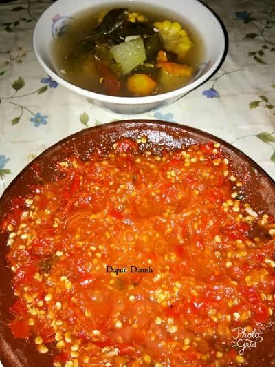 Sayur asam versus sambel tomat