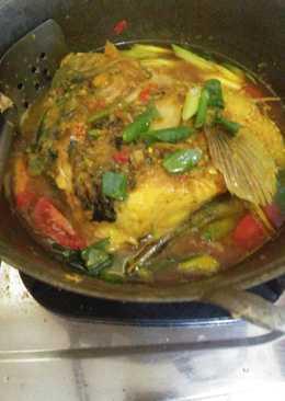Sup kepala ikan gurame kuning