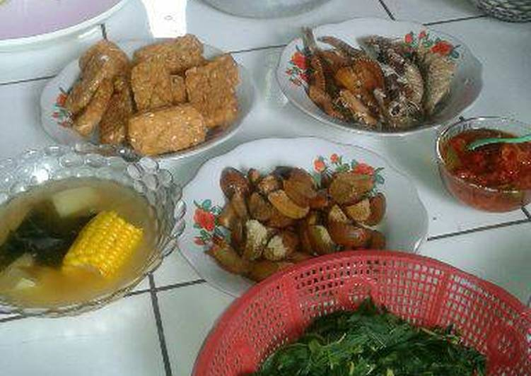 Menu Makan Siang Sederhana Ala Momy F F