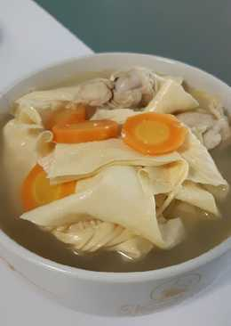 Sup Ayam Kembang Tahu