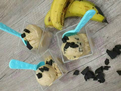 Banana and Peanut Butter Ice Cream 20 menit 12-14 scoops
