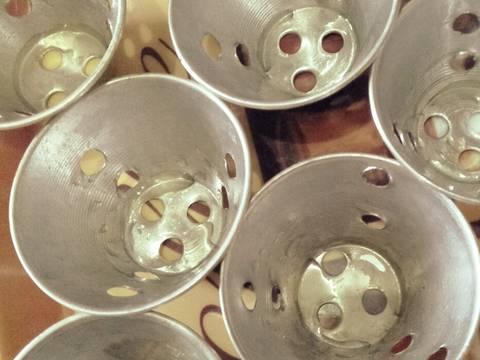 Kue putu bambu cup