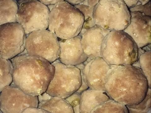 Resep Bakso Sapi yang dibuat oleh Endah Wulan cukup untuk  Resep Bakso Sapi Dari Endah Wulan