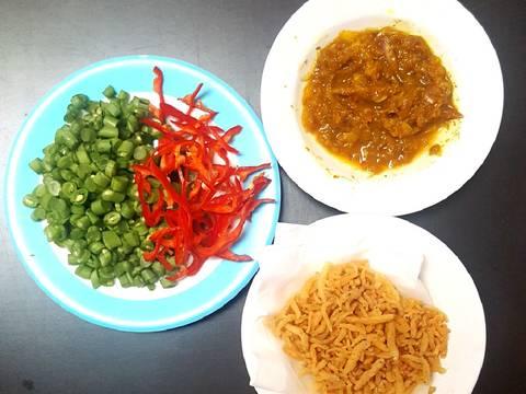 Nasi goreng kunyit dan ikan teri #Seninsemangat